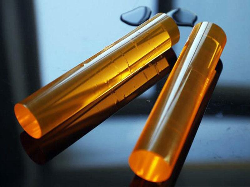 黄色のアクリル棒