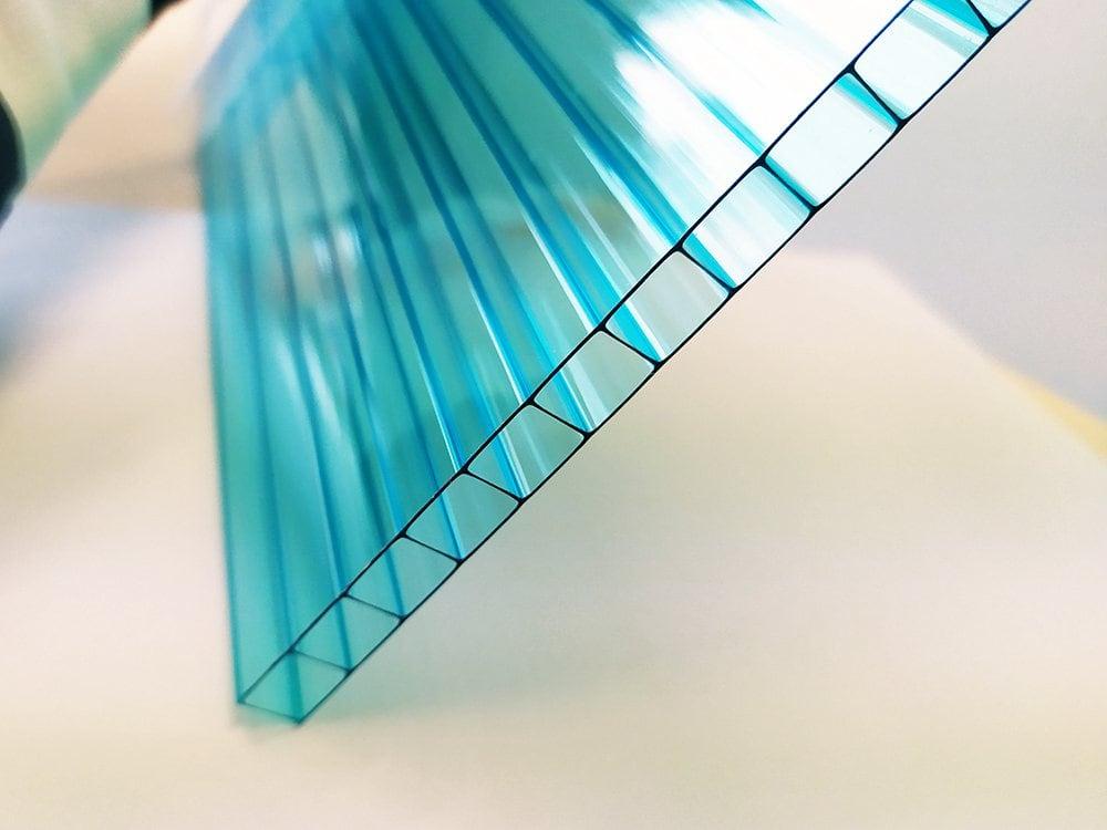 ブルー中空ポリカ板の温室